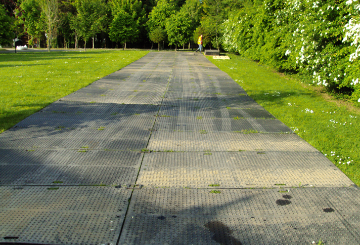 roadway_car_park_event_flooring_ire-trak_1.jpg